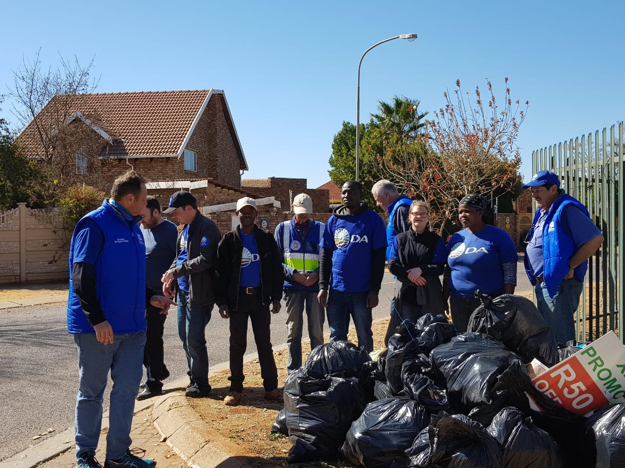 Heuweloord Ward Clean Up & Poster Removal 11/08/2018